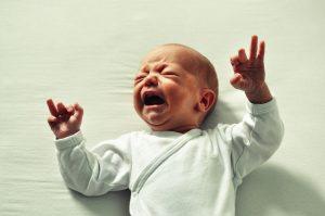 Bébé a faim allaitement