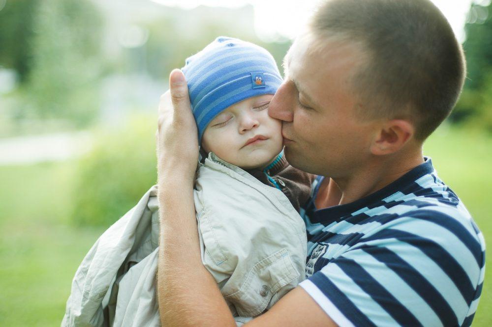 gérer fatigue allaitement grâce au papa